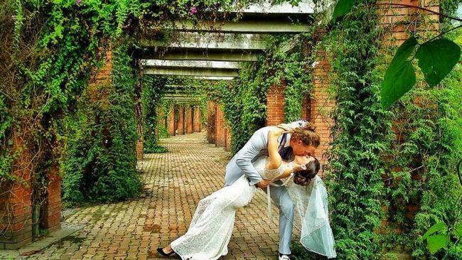 Um die Welt in 38 Ehen plant paar große Hochzeit in 11 Ländern!