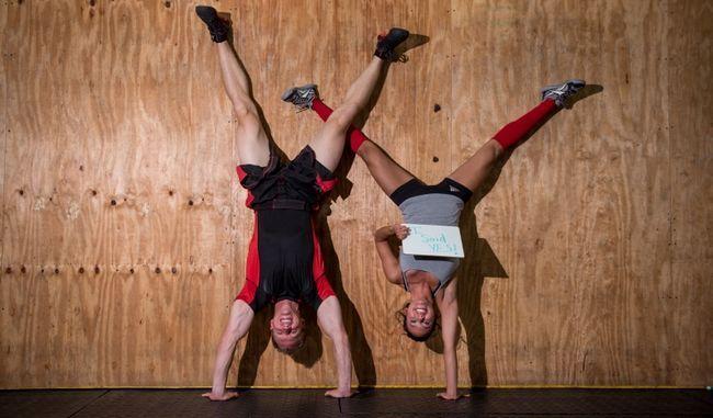Crossfit Engagement Fotos des Paares Diesen Roman wirklich aussieht