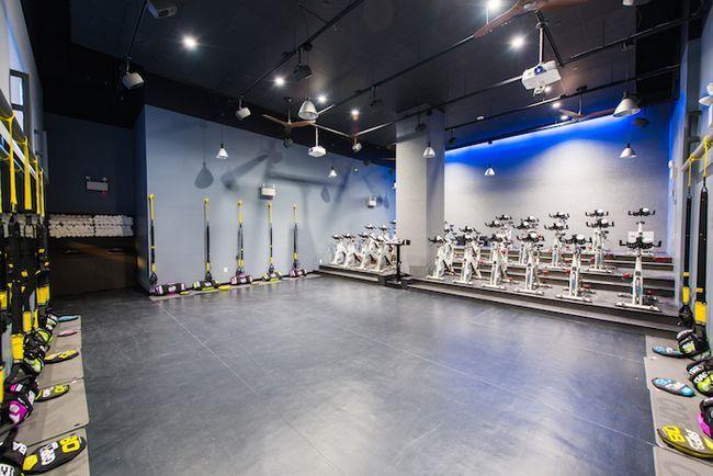 Erster Blick: neue fidi Studio bfx verschmilzt Radfahren und Krafttraining in einem süßen Raum