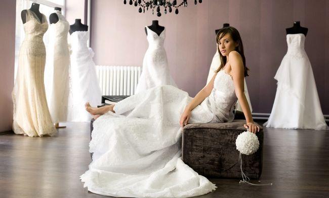 Wie Sie das perfekte Brautkleid zu finden Ihren Körper-Typ passen