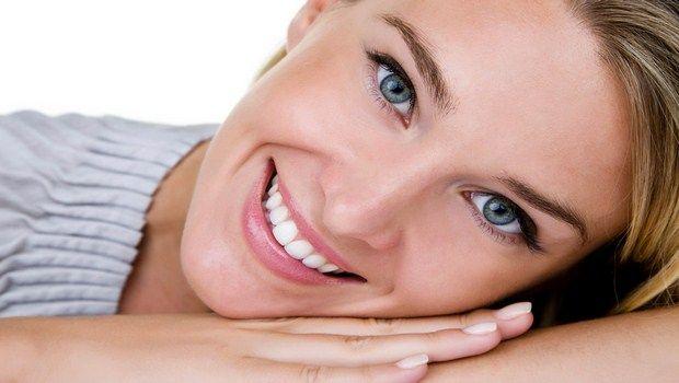 wie Grübchen Lächeln zu erhalten und neu zu positionieren
