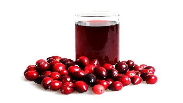 wie man Cranberry-Saft-Cocktail-Cocktails machen