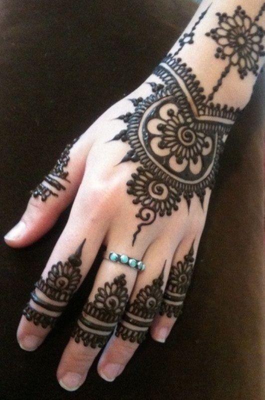 Henna-Design Licht, aber reich