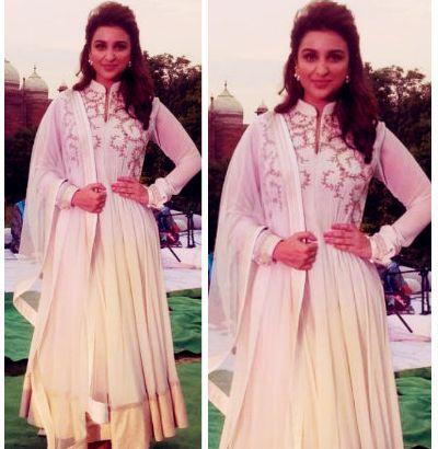 Parineeti Chopra in ethnischen Kleid