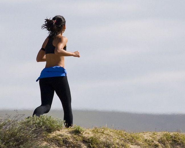 Elastische Turnschuhe: 8 neue Laufschuhe bis zur Ziellinie zu bekommen schneller