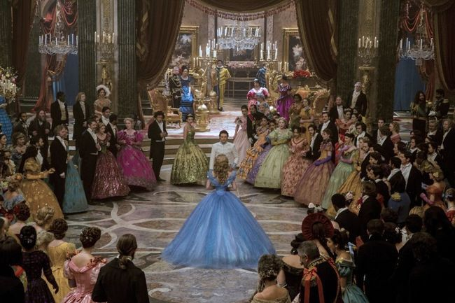 Zwei Tanz Cinderella Ballkleid sollte Krafttraining für