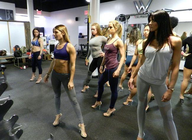 Wenn Ihr beinhaltet Fitness-Ziel einen Bikini auf der Bühne stolzieren