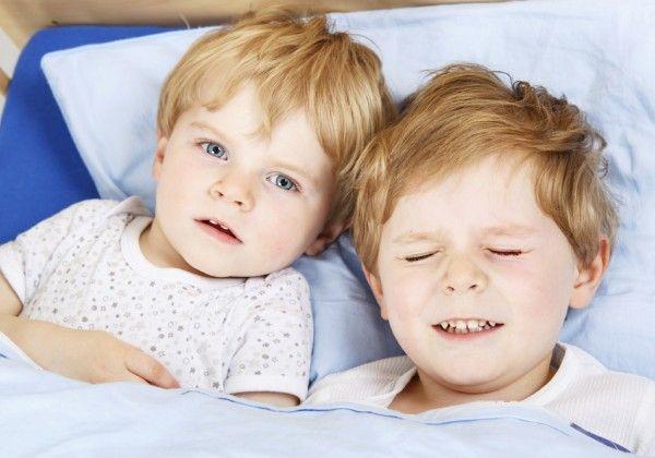 Schlafentzug kann die Ursache für Probleme Ihr Kind