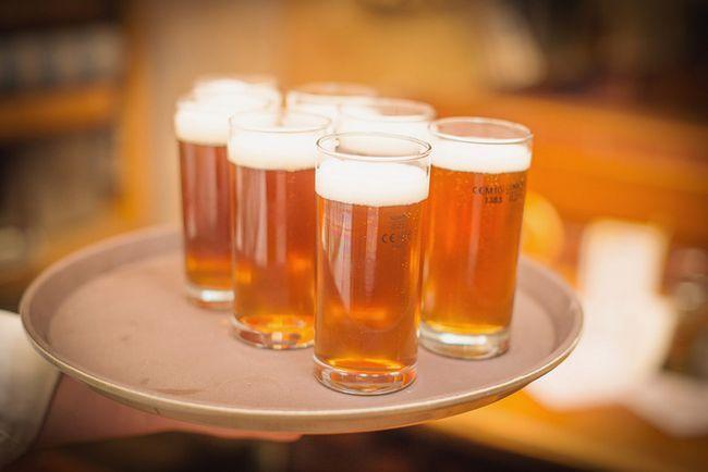 Ungewöhnliche Hausgebrauch Bier gießen