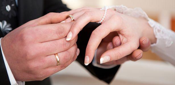 Das, was die Institution der Ehe macht im Juni Wichtig
